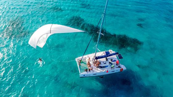 Isla Mujeres in catamaran tour - Spinnaker