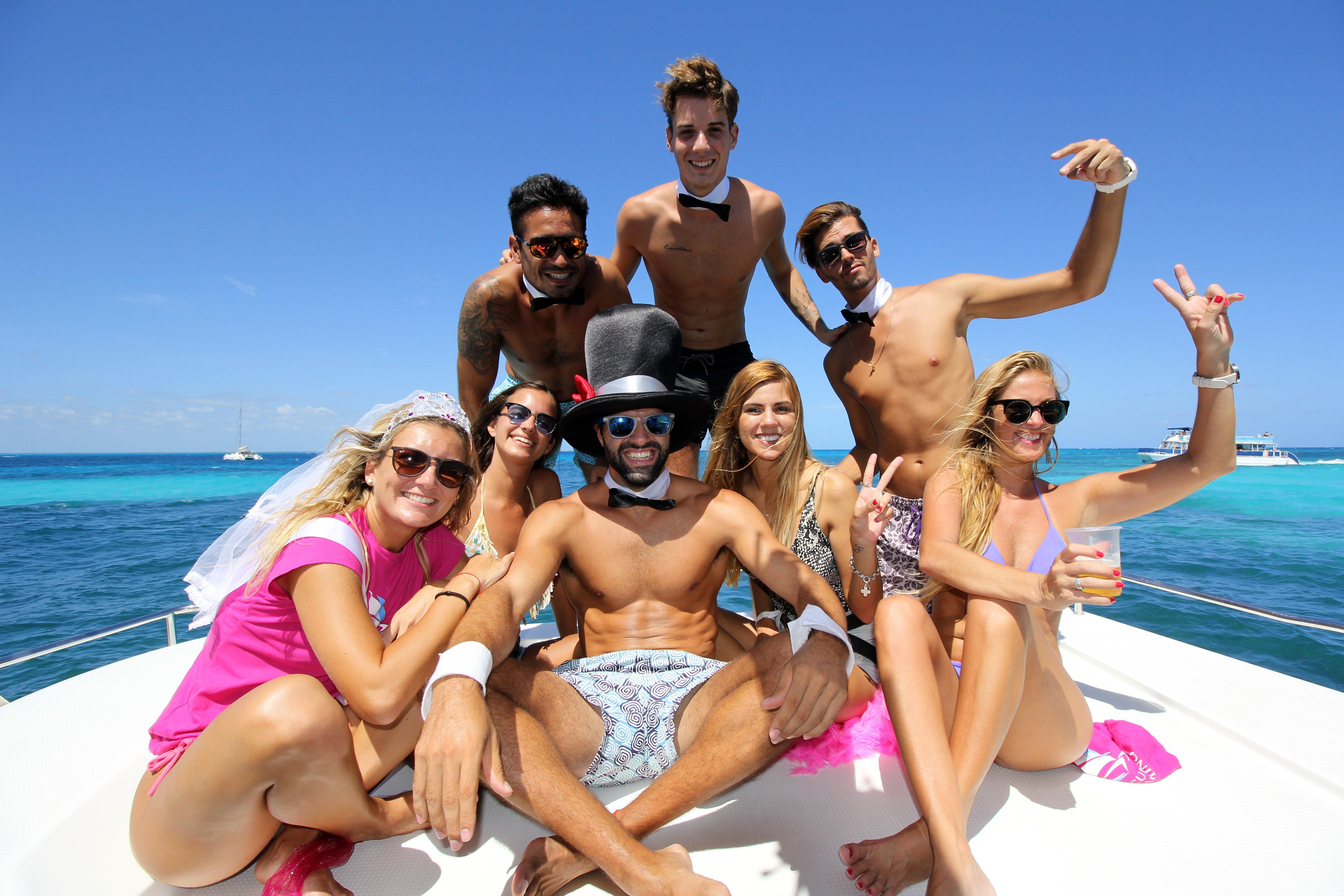 cancun bachelorette party in catamaran - isla mujeres - 15