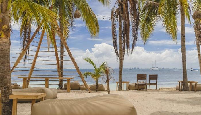 nomads-beach-club-isla-mujeres
